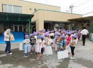 新宿小学生写生会の様子1-300x220