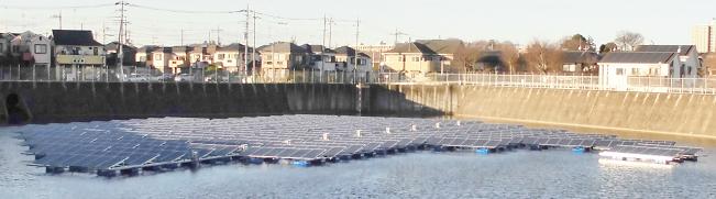 水上太陽光発電システムの2/3が完成